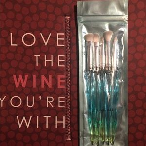 Farrah lip and eye brushes